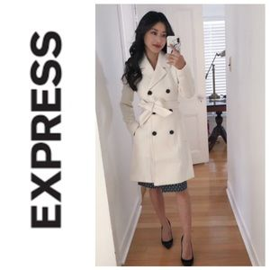GORGEOUS!  Express Classic trench coat in white